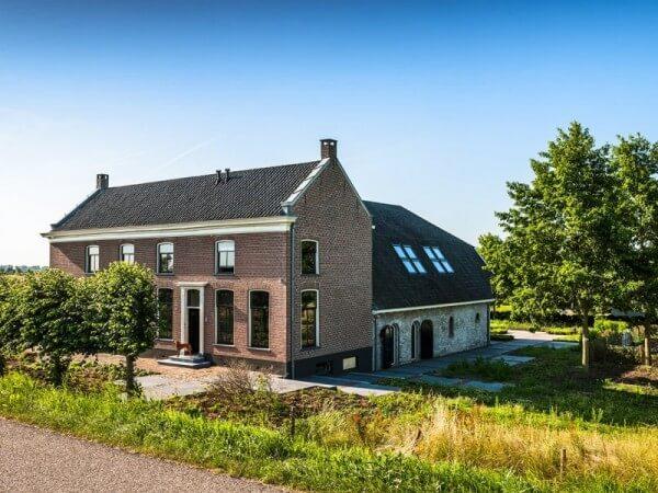 Huizen zijn de passie van Marcel van Hooijdonk